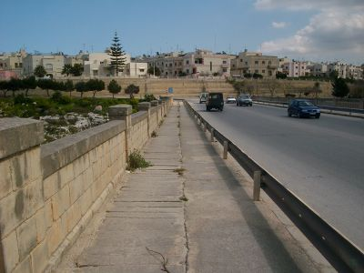 fort mosta bridge malta Malta's Victoria Lines
