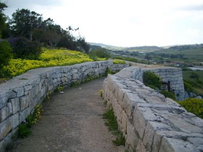 fort mosta guide and route path along the Victoria Lines Malta