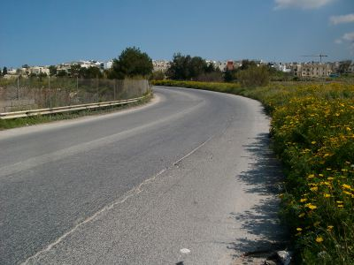 obstacles route path walking Malta's Victoria Lines