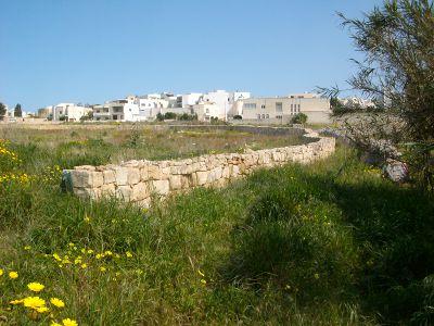 walking paths routes malta Malta's Victoria Lines