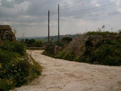 Victoria Lines Malta dwejra lines start finish walking hiking trekking route maltese